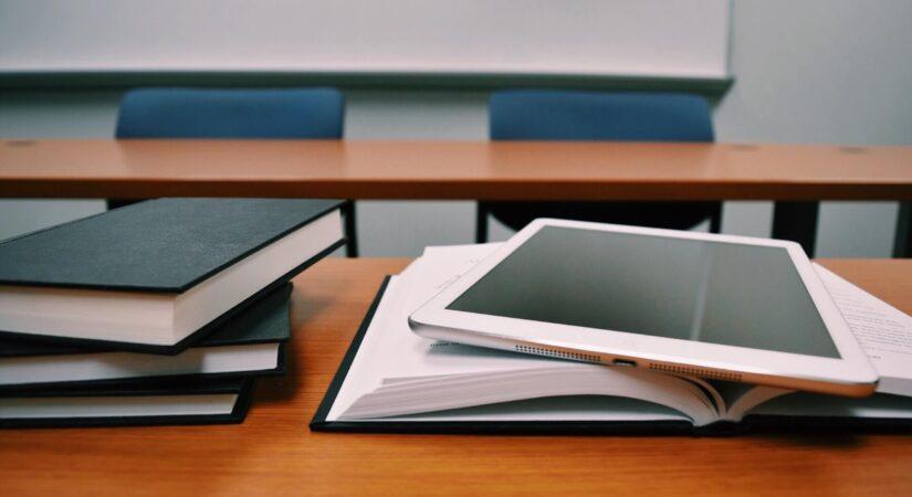 book-in-room